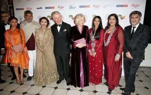Rani Mukherjee wallpaper called With Royal family