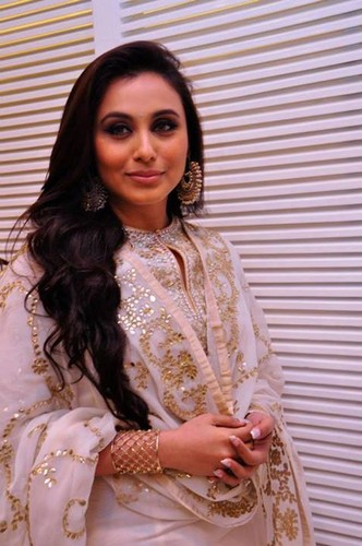 rani mukherjee wallpaper possibly containing a nightwear, a bathrobe, and a portrait entitled Wooow