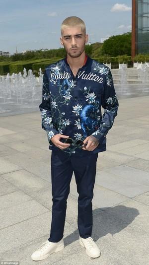 Zayn at Louis Vuitton menswear toon