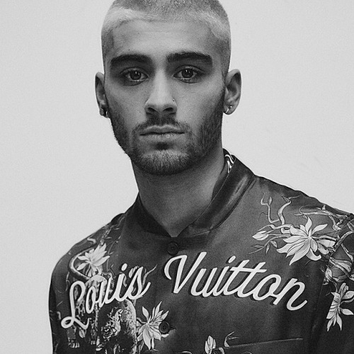 Зейн Малик Обои titled Zayn at Louis Vuitton menswear Показать