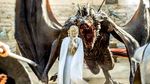 Daenerys Targaryen fond d'écran entitled dany and drogon