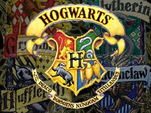 Harry Potter kertas dinding with Anime titled hogwarts logo