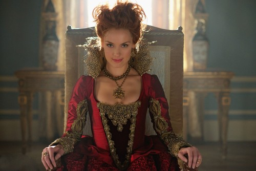 "Reign [TV Show] Обои with a киртл, kirtle entitled Reign ""Burn"" (2x22) promotional picture"