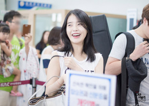 140831 IU at Gimpo Airport Leaving for Jeju