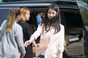 150514 IU At Producer Filming Location