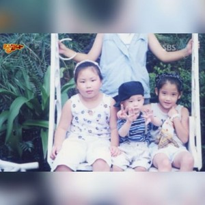 150716 ‎IU‬ childhood foto has been revealed!
