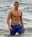 Alexander Ludwig - hottest-actors photo