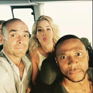 Arrow Cast on their way to SDCC
