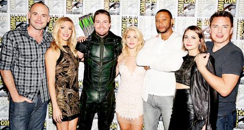 Стрела cast at Comic Con 2015