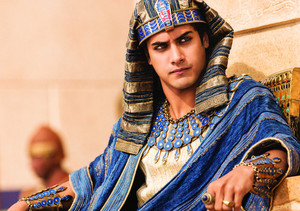 Avan as King Tut 2015