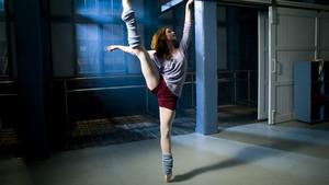 Dance Academy پیپر وال