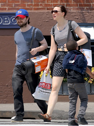 Daniel Radcliffe & Erin 샵 for Yoga Mats in New york,July 2 (Fb.com/DanieljacobRadcliffeFanClub)