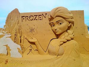 Disneyland Paris - Холодное сердце Summer Fun 2015 - Sand Magic