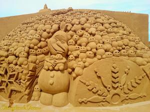 Disneyland Paris - Frozen Summer Fun 2015 - Sand Magic