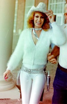 Dottie West (October 11, 1932 – September 4, 1991)