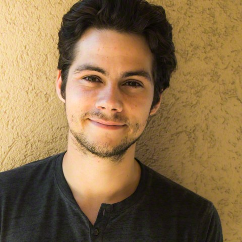 Dylan O'Brien پیپر وال possibly with a portrait entitled Dylan O'Brien