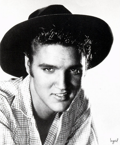 Elvis Presley kertas dinding with a snap brim hat, a fedora, and a campaign hat called Elvis Presley 💗