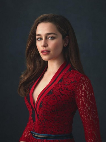 এমিলিয়া ক্লার্কে দেওয়ালপত্র titled Emilia Clarke Photoshot