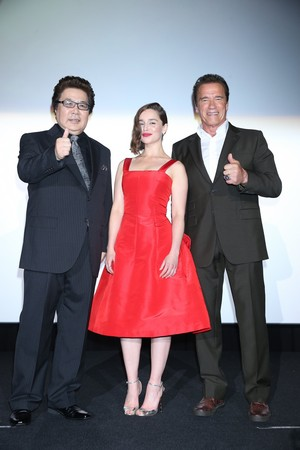 Emilia Clarke and Arnold Schwarzenegger at a 터미네이터 Event in Tokyo