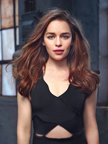 Emilia Clarke fond d'écran probably containing attractiveness, a bustier, and tights entitled Emilia Clarke in Io Donna Photoshot