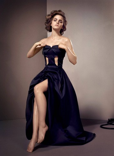 Emma Watson wallpaper probably with a cena dress, a gown, and a tè toga, abito entitled Emma Watson