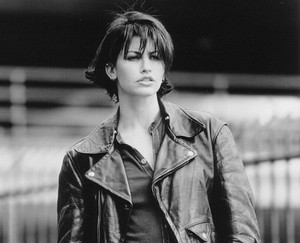 Gina Gershon as Corky in 'Bound'