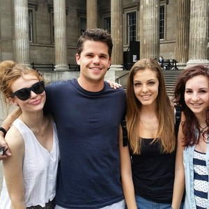 Holland,Max and Charlie in Londres on July 1,2015