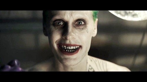 小丑 壁纸 probably containing a portrait called Jared Leto as The Joker in the First Trailer for 'Suicide Squad'
