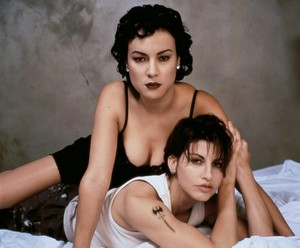 Jennifer Tilly and Gina Gershon in 'Bound'