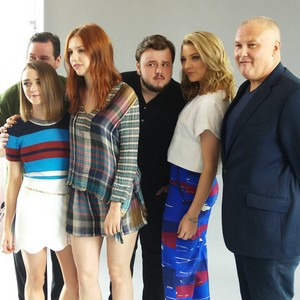 John Bradley, Maisie Williams, Hannah Murray, Conleth đồi núi, hill and Natalie Dormer