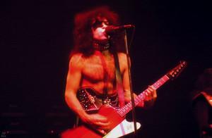 KISS ~Detroit, Michigan…December 20, 1974 (Michigan Palace-Hotter Than Hell Tour)