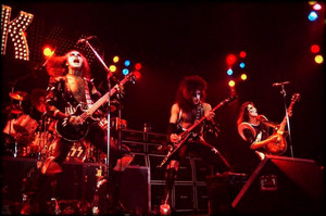 KISS ~London, England…May 15, 1976 (Hammersmith Odeon Theater)
