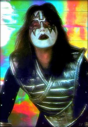 Kiss ~NYC…June 1, 1977 (Love Gun-Mylar Session)