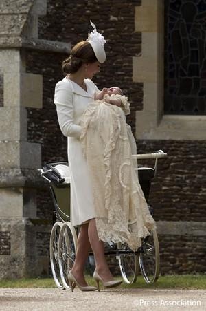 Kate With Princess 샬럿, 샬 롯