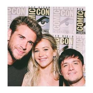 Liam,Jennifer and Josh Comic Con 2015