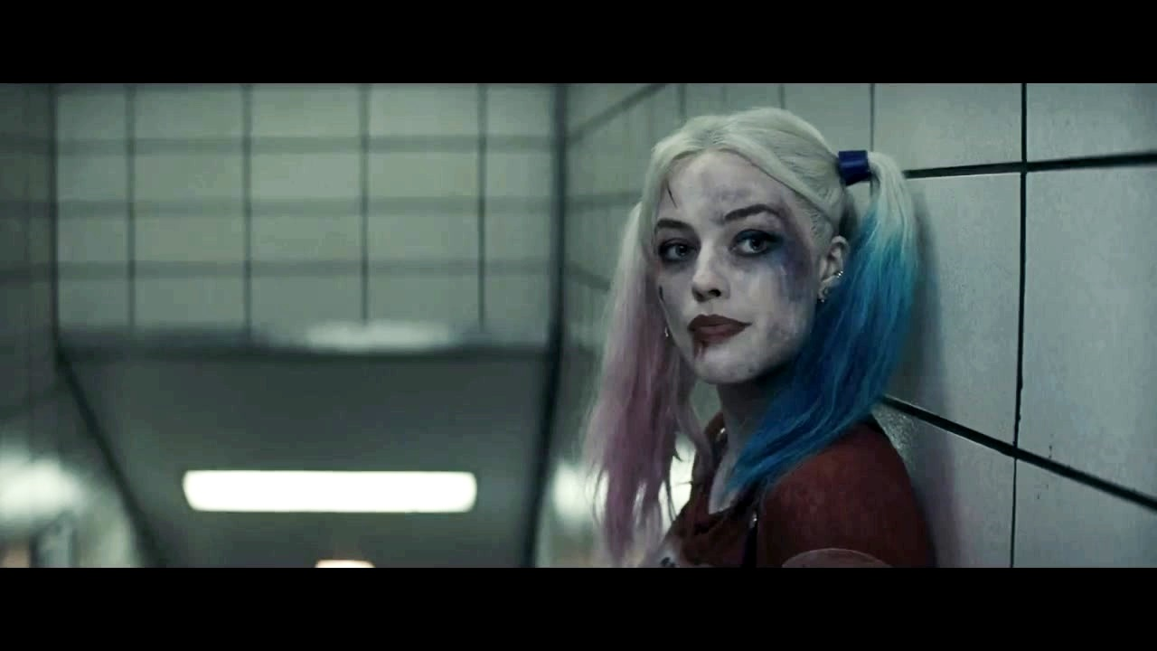 6d91ad8f Harley Quinn achtergrond called Margot Robbie as Harley Quinn in the First  Trailer for 'Suicide