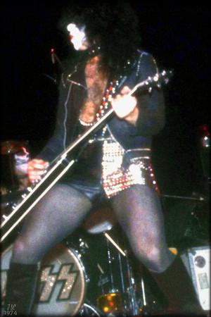 Paul ~January 26, 1974 (Academy of Музыка in New York)