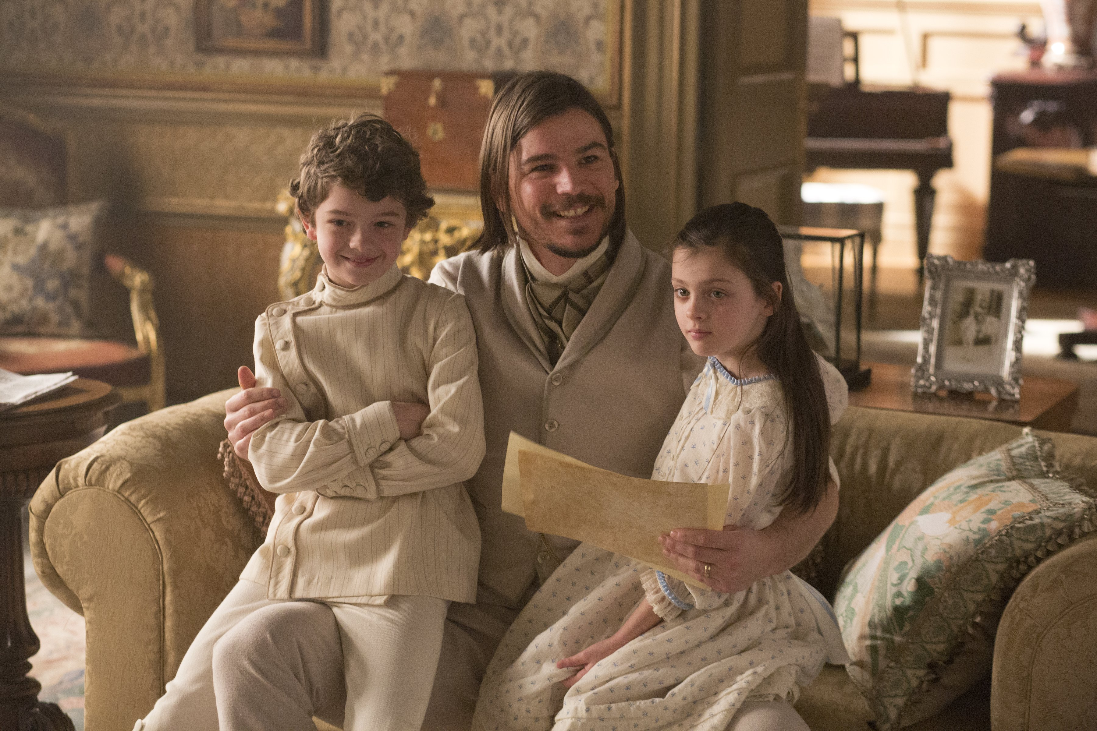 """Penny Dreadful """"And They Were Enemies"""" (2x10) promotional picture"""