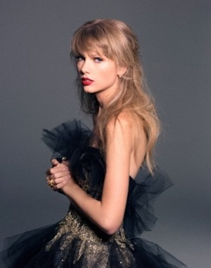 Photoshoot of Tay
