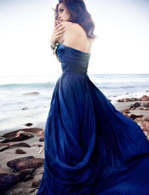 Rachael Leigh Cook - Coco Eco Photoshoot - 2009