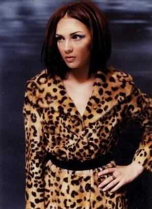Rachael Leigh Cook - Flaunt Photoshoot - 2000