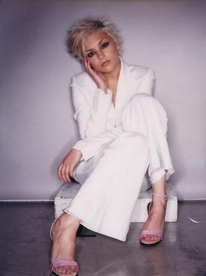 Rachael Leigh Cook - Photoshoot with Short Blonde Hair