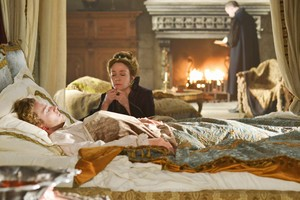 """Reign """"Reversal of Fortune"""" (2x18) promotional picture"""