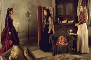 "Reign ""The kondoo, mwana-kondoo and the Slaughter"" (2x04) promotional picture"
