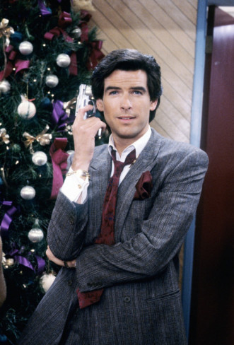 Remington Steele fond d'écran containing a business suit and a bouquet called Remington Steele