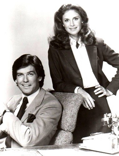 Remington Steele 바탕화면 possibly with an outerwear, a well dressed person, and a business suit called Remington Steele