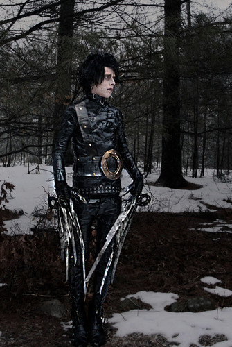 Tim burton hình nền probably containing a surcoat, áo lót called Scissorhands Cosplay