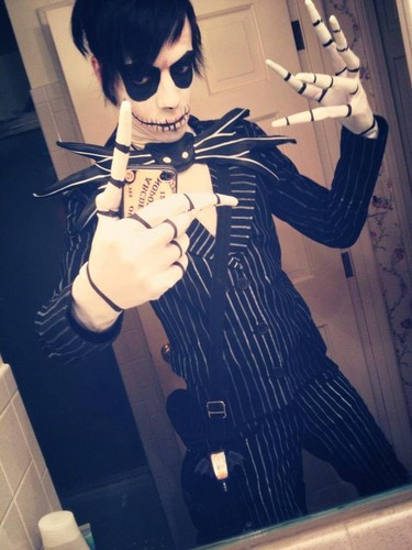 Tim burton hình nền with sunglasses called Skellington Cosplay