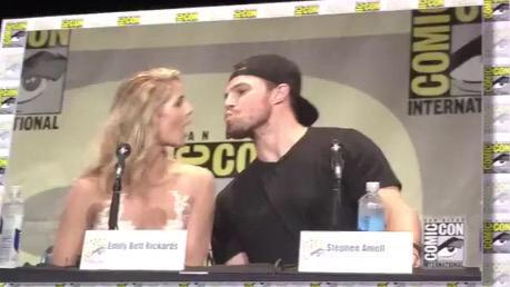 Stephen Amell & Emily Bett Rickards wallpaper probably containing a portrait entitled Stephen and Emily @ SDCC 2015