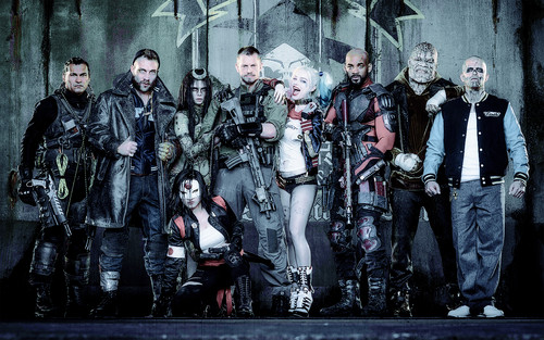 Suicide Squad 壁纸 with a green beret, a navy seal, and a 步枪兵, 步枪手 entitled Suicide Squad 壁纸